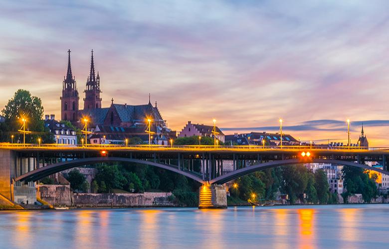 Mittlere Brücke in Basel mit dem Münster im Hintergrund
